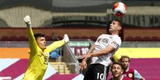 Sheffield loopt weer averij op in strijd om Europees voetbal
