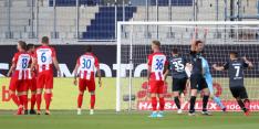 Bizar eigen doelpunt voorkomt degradatie van Werder Bremen