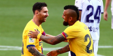 Jubileum-assist Messi houdt armzalig FC Barcelona in titelstrijd