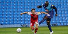 Wycombe Wanderers met Akinfenwa naar het Championship