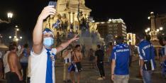 Blije Porto-fans lappen coronaregels aan laars, politie grijpt in