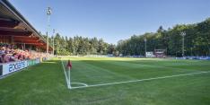 PSV-complex besmeurd met clubkleuren ADO Den Haag
