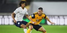 Aké debuteert met overwinning op Molineux bij Manchester City