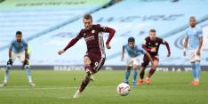 Aké speelt met goal bijrol in show van ontketend Leicester