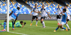 Napoli blaast Atalanta van het veld, successje voor Lammers