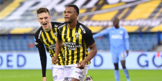 Gehavend PSV verliest de koppositie door uniek verlies bij Vitesse