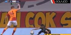 Video: Celik helpt oude club met zeer merkwaardige handsbal