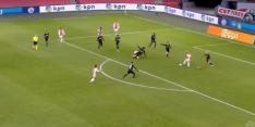 Video: Antony brengt Ajax naast PSV in heerlijke topper