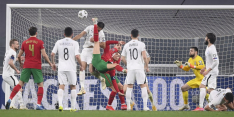 Kolderieke eigen goal helpt Portugal, Tadic levert drie assists