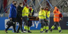 Blind met brancard van veld: moeten Ajax en Oranje vrezen?