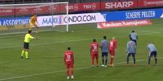 """Video: Brobbey schiet penalty het stadion uit: """"Zelf halen"""""""
