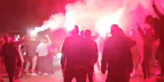 Heerlijke beelden: fans NEC wachten spelersbus op
