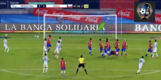 Video: Bravo houdt met sublieme redding Messi van scoren af
