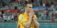 Wat een misser: Gareth Bale schiet strafschop heel ver over