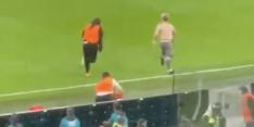 Wat je niet mocht zien: fan bestormt veld tijdens EK-finale
