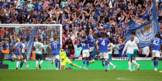 City loopt prijs mis na fout Aké: Leicester wint Community Shield
