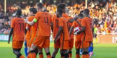 Jong Oranje wint met negen debutanten ondanks misser Brobbey