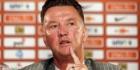 Van Gaal praat met Giggs over Manchester United