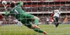 Wenger passeert rokende Szczesny voor duel met Stoke