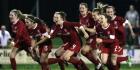 Twente-dames prolongeren titel in galavoorstelling