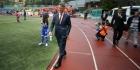Van Gaal voorziet Andorrezen van Oranje-shirts