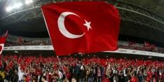 Finland en Tsjechië in evenwicht, Turkije wint ruim