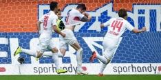 Stevens houdt Stuttgart weer in Bundesliga, HSV naar play-offs