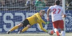 Prachtig: Van der Sar (45) stopt strafschop bij Noordwijk