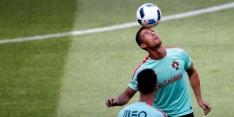Groep F: drie figuranten in de grote Ronaldo-show