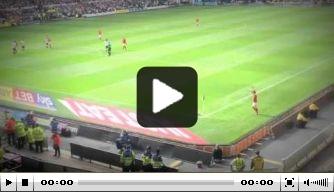 Video: bizar slechte corner van Charlton Athletic-speler