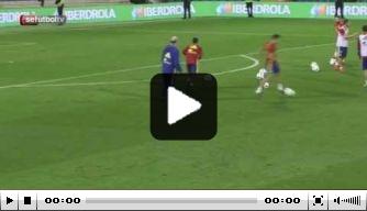 Video: Thiago Alcántara schiet vrije trap in kruising
