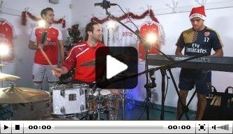 Video: Cech en Sánchez laten muzikale kwaliteiten zien