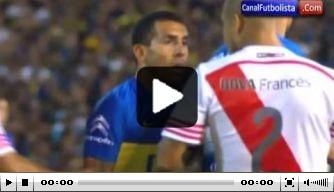 Video: Tevez krijgt kopstoot tijdens 'vriendschappelijk' duel