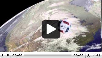 Video: Pirlo trapt corner het stadion uit in Amerika