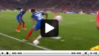 Video: Kingsley Coman maakt indruk met 'Zidane-actie'