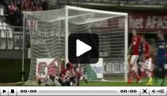 Video: Luckassen helpt AZ langs PAS Giannina
