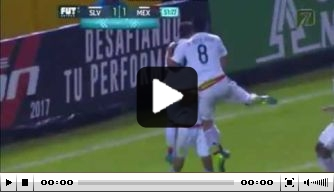 Video: Moreno treft doel voor Mexico in kwalificatie