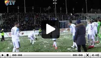 Video: Djurgårdens IF houdt sneeuwballengevecht met fans