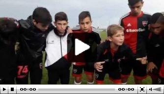 Video: mooie peptalk Newell's Old Boys-jeugdcaptain