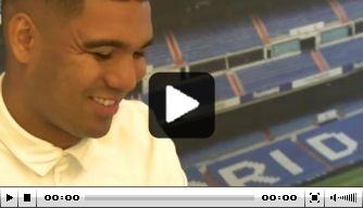 Video: Danilo en Casemiro nemen de tijd voor supporters