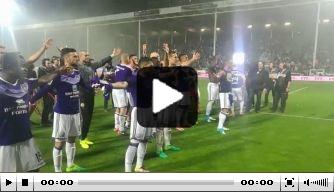 Video: Anderlecht viert landstitel op fraaie wijze met fans