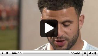 Video: Walker en Defoe beantwoorden vragen over elkaar