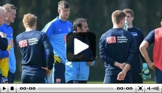Video: Luhukay geeft eerste interview als Sheffield-coach