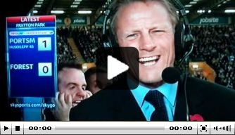 Video: Portsmouth-fan steelt show op televisie