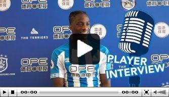 Video: Kongolo geeft interview bij Huddersfield na transfer