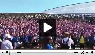 """Video: IJslandse fans melden zich in Moskou: """"Huh!"""""""