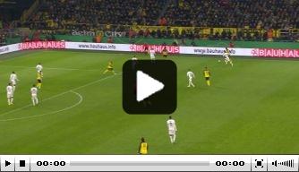 Video: Favre blesseert zichzelf bij winnende treffer Dortmund