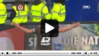 Video: Veerman troeft Van Drongelen af en scoort in derby
