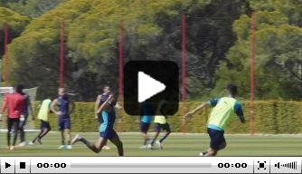 Video: Van Gaal kijkt toe op training Olympique Marseille