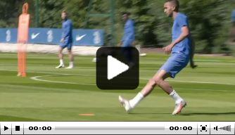 Video: Ziyech rondt heerlijke curvebal af op Chelsea-training